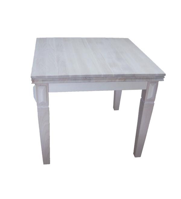 stół z ozdobnymi nogami