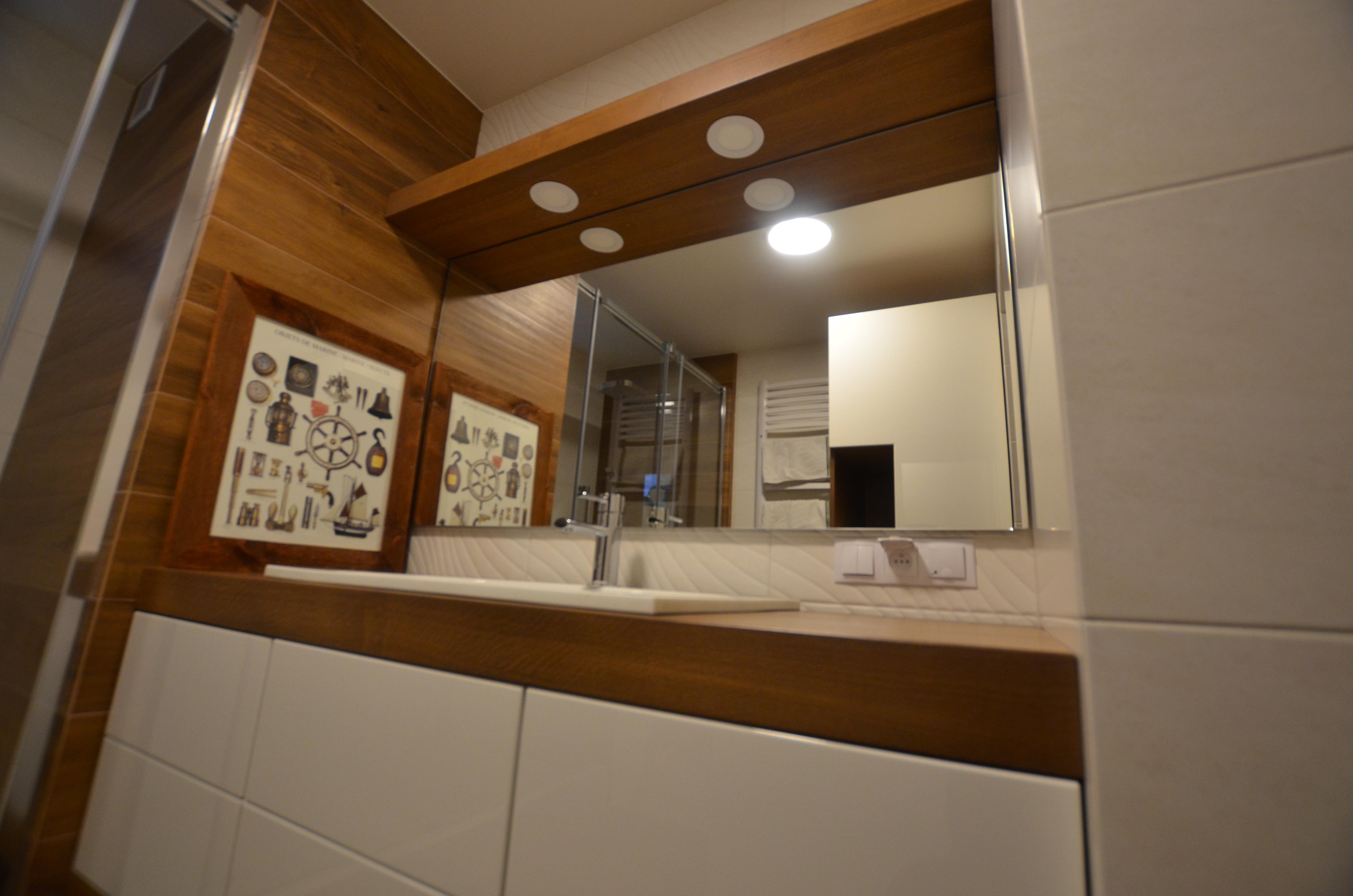 dębowe meble w łazience