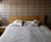 łóżko dębowe z litego drewna