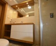 meble do łazienki z litego drewna dębowego