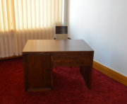 Biurko bukowe w kolorze LA model Almera