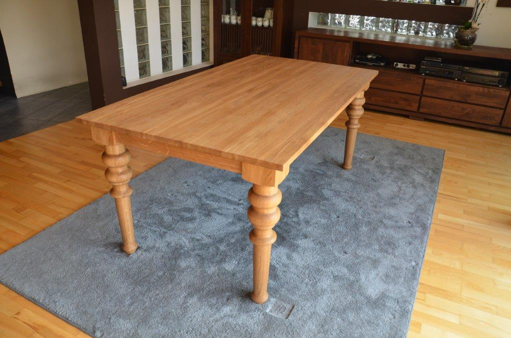 stół dębowy noga toczona