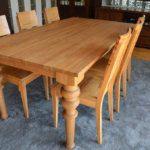 stół dębowy z nogą toczoną