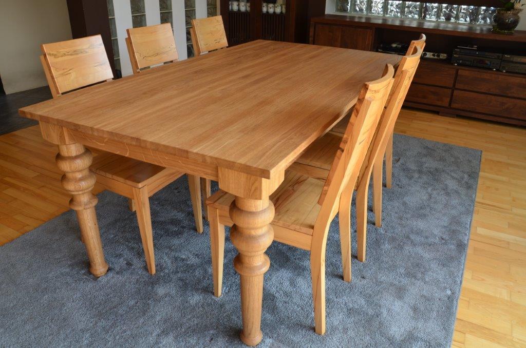 drewniane meble do jadalni