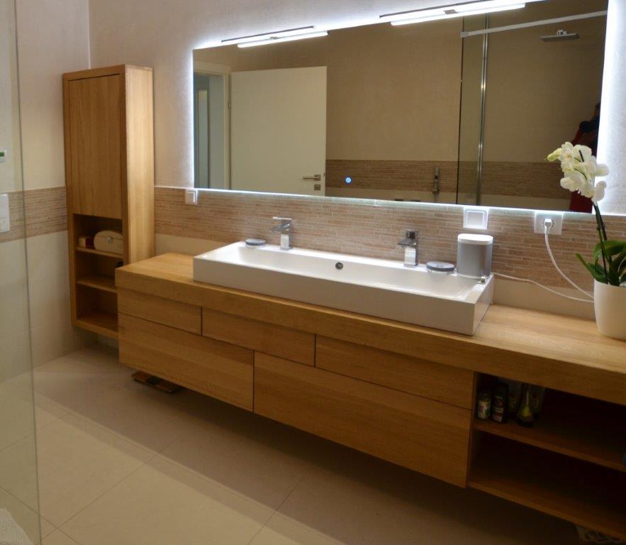 zabudowa łazienki dębowa