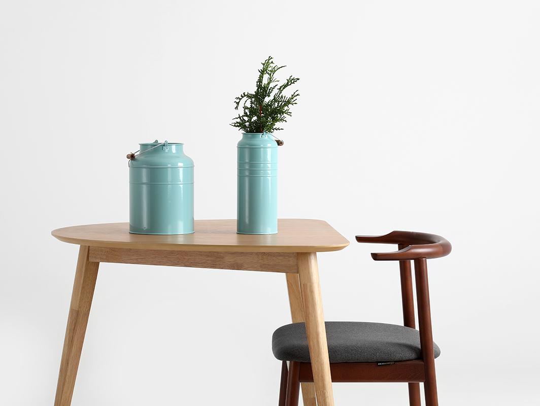 krzesło drewniane tapicerowane
