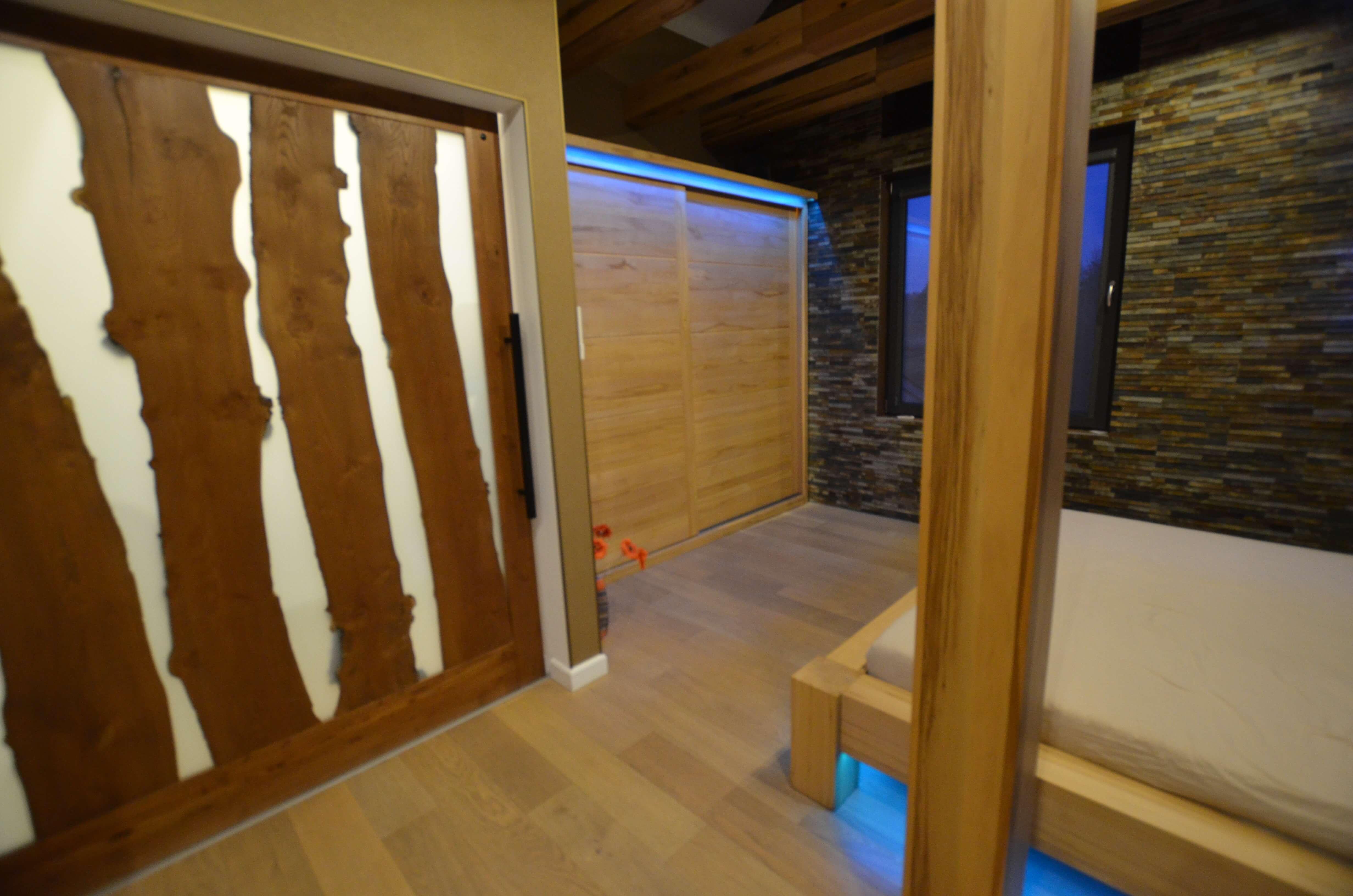 meble do sypialni z drewna buka twardzielowego