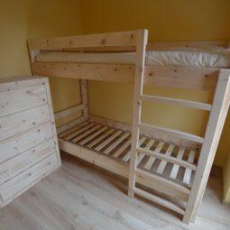 piętrowe łóżko z limby