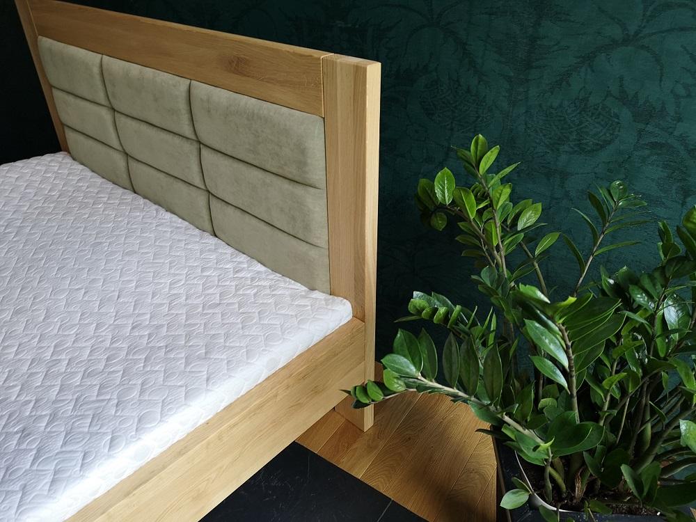 Jasne łożko tapicerowane