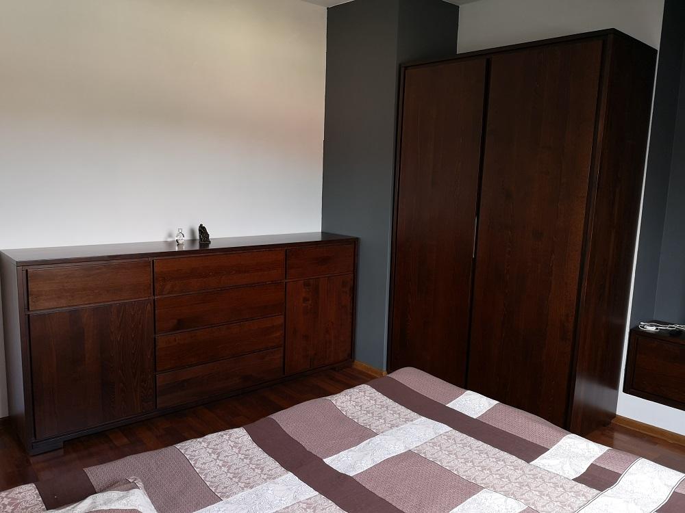 meble do sypialni z drewna litego bukowego