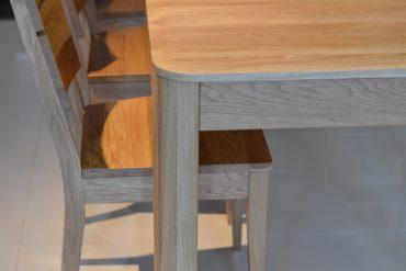 stół z rogami zaokrąglonymi