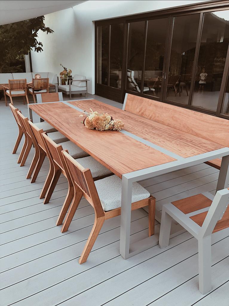 Stół tarasowy drewno Iroko i aluminium