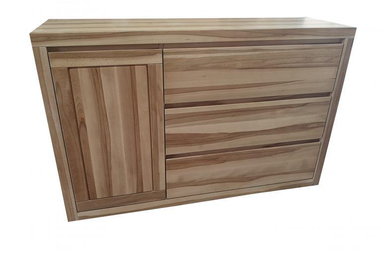 komoda 3 szuflady i pojedyncze drzwi