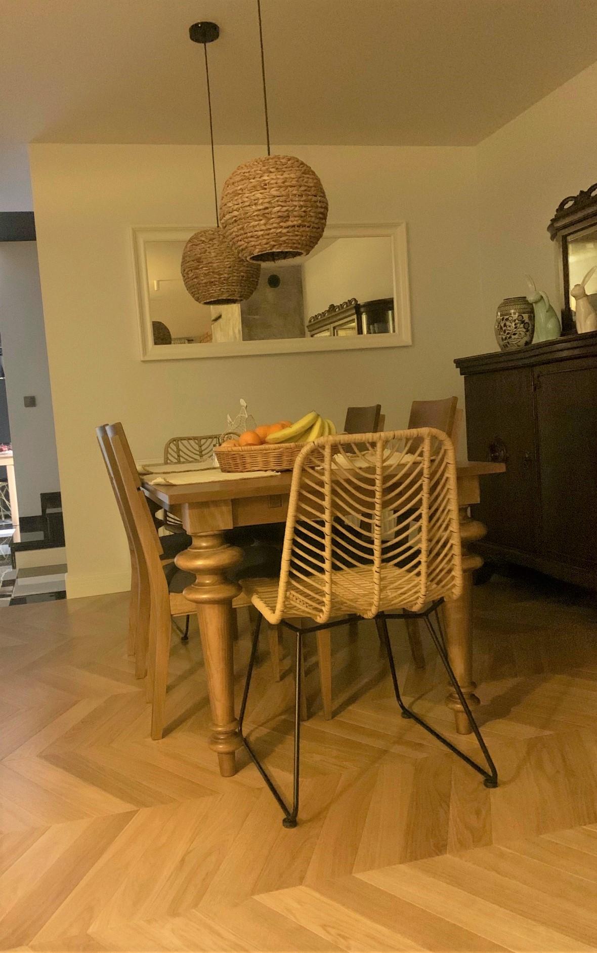 stół Z toczonymi nogami z drewna bukowego1