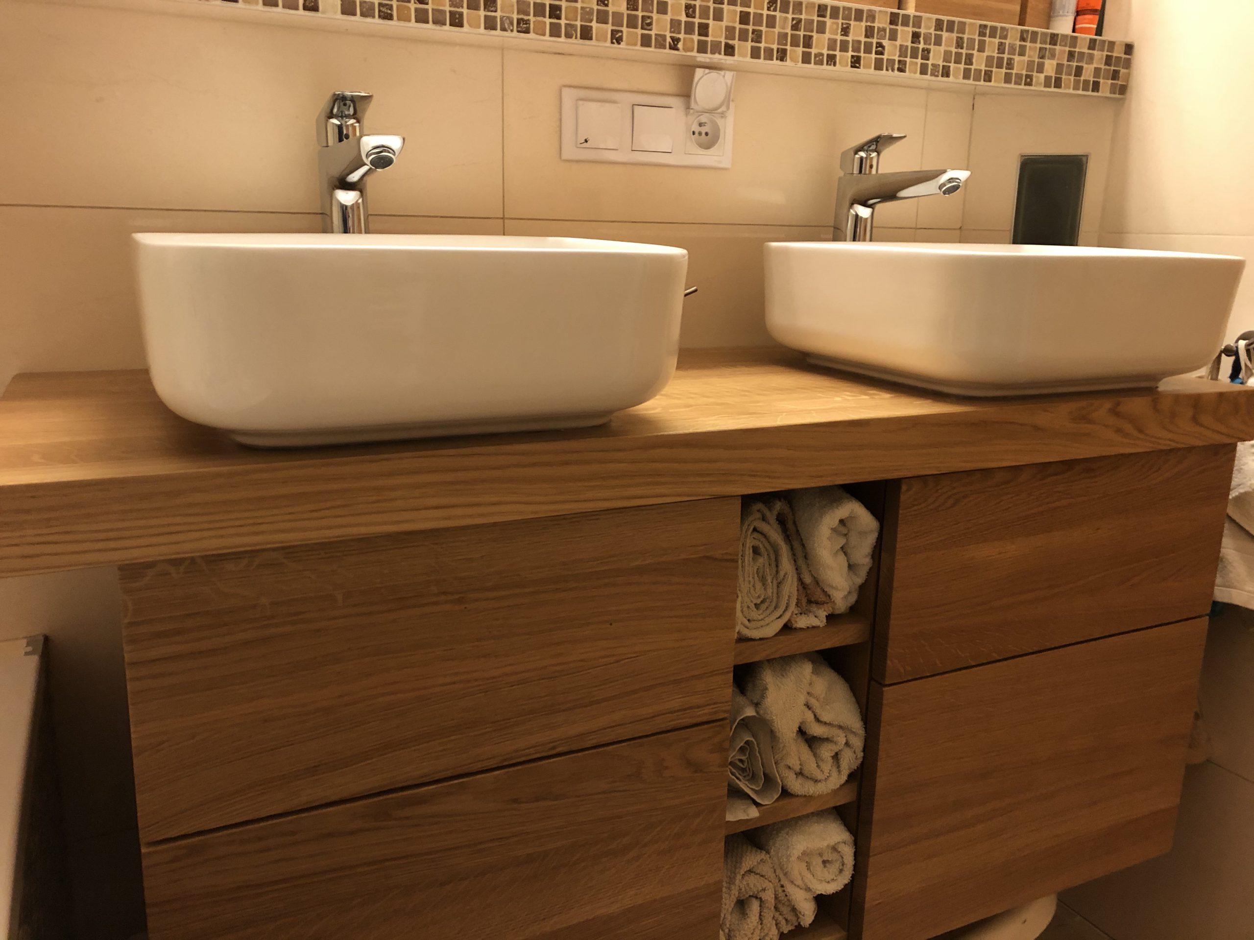 meble łazienkowe dębowe